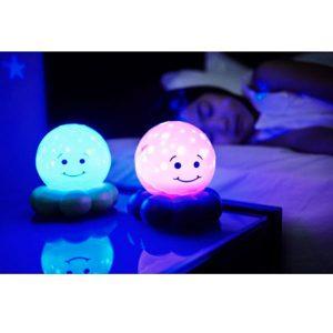 Lámpara proyecta estrellas y burbujas - Twinkles to go Octo